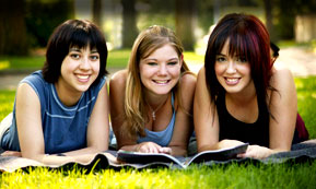 young-women-reading.jpg