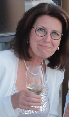 Linda Moran- Cave B Tri-Cities (Kennewick) Tasting Room Manager