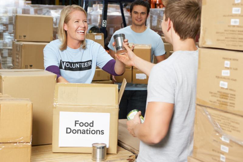 volunteer_food_donation.jpg