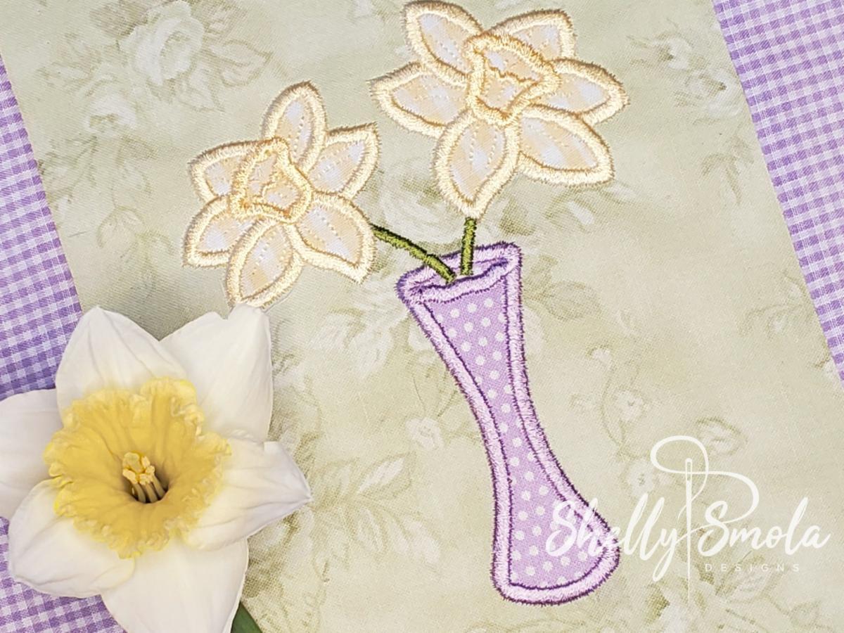 Daffodil Applique by Shelly Smola