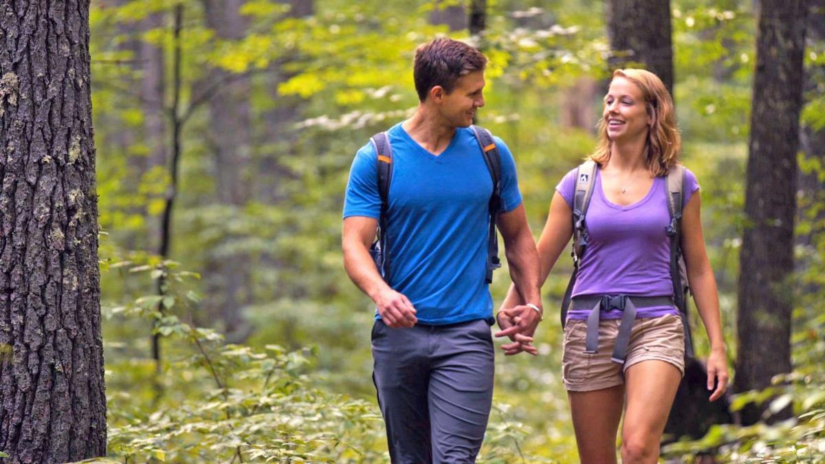 couple hiking in Bath County