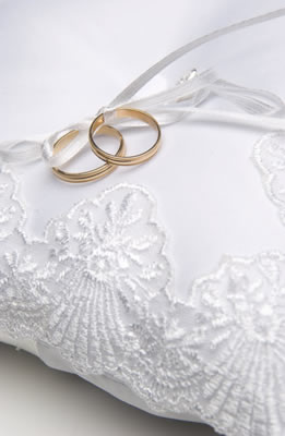 wedding-rings-pillow.jpg