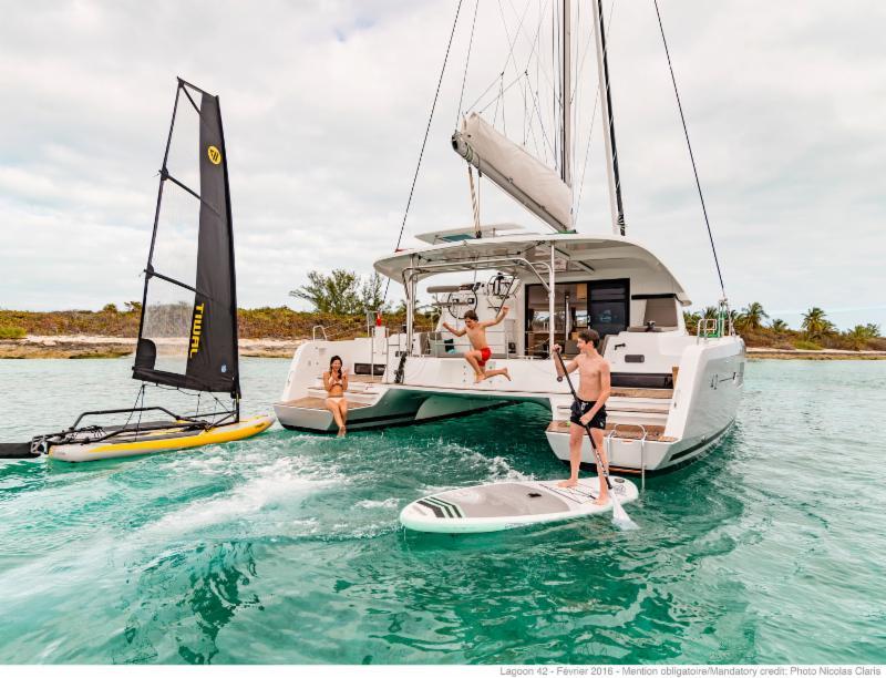 catamaran charter luxury