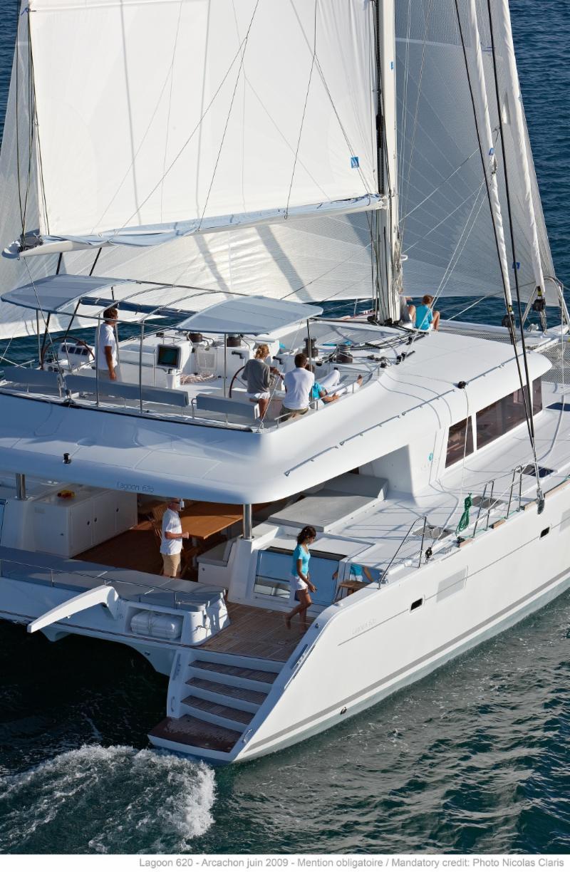 catamaran charter holiday