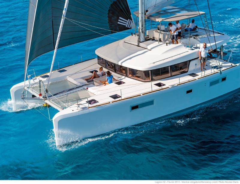 luxury catamaran charter vacataion