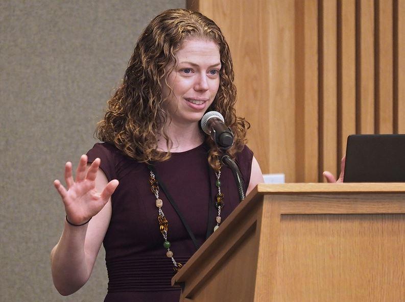 katy milkman at podium