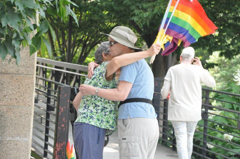 rainbow hugs