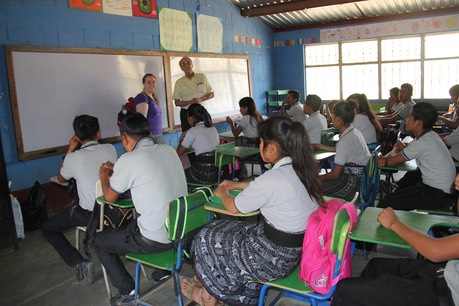 UUCAers in front of Guatemala classroom