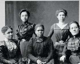 Turn of the 20th-century portrait of group of African American women