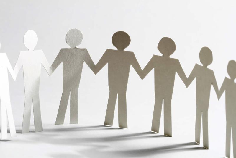 paper_people_chain.jpg