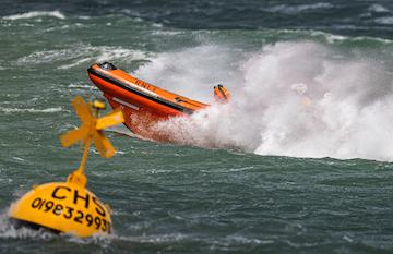 Sheena Louise in rough weather at Cowes - Nick Edwards / Cowes RNLI