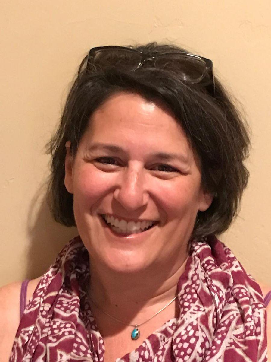 Laurie Seder headshot
