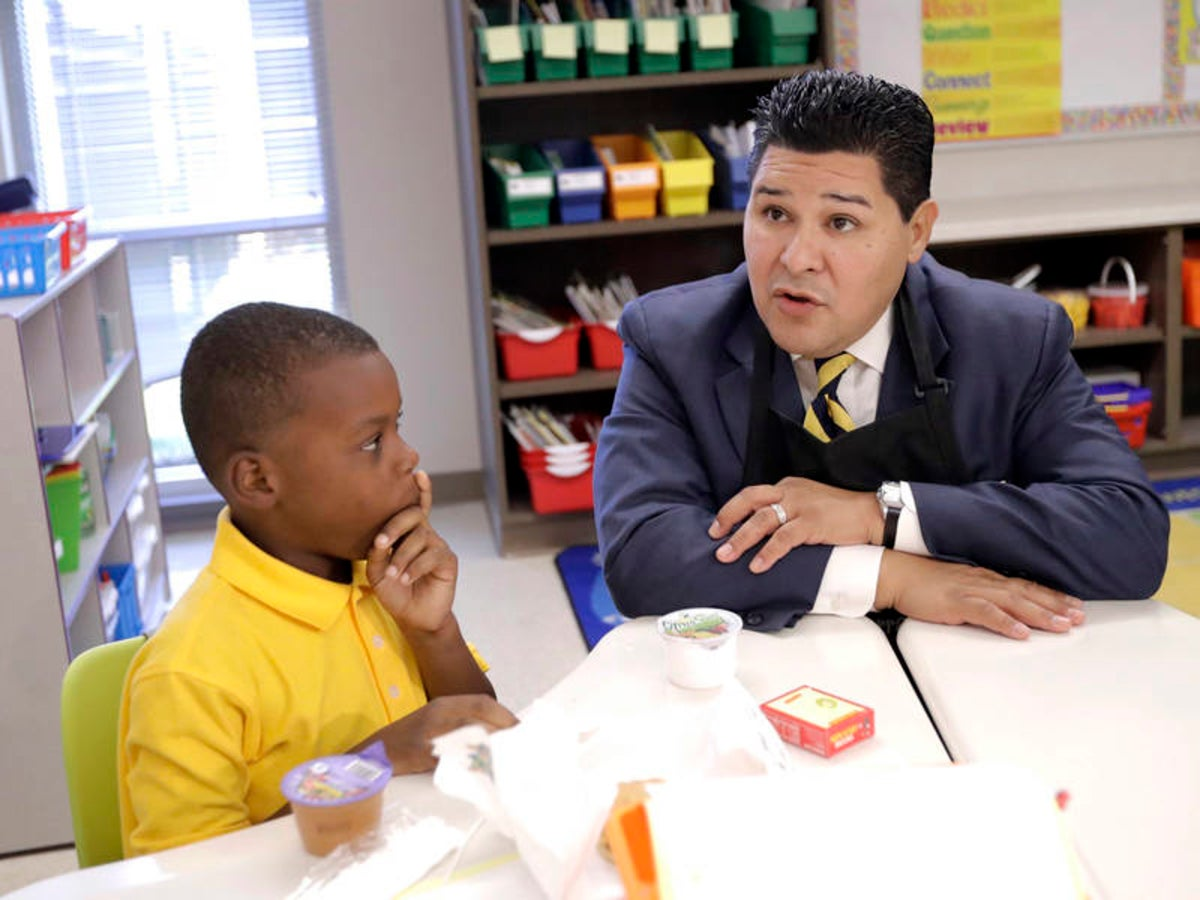 carranza with student