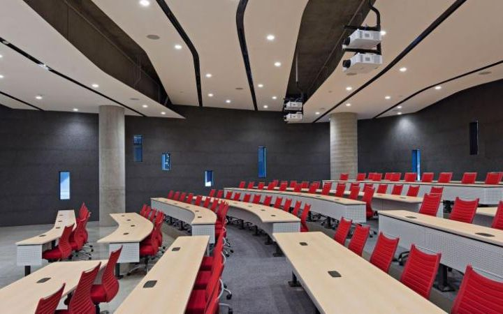 Photo of ENR2 building classroom