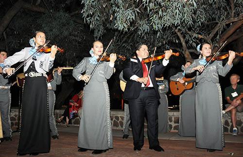 mariachi at wine harvest