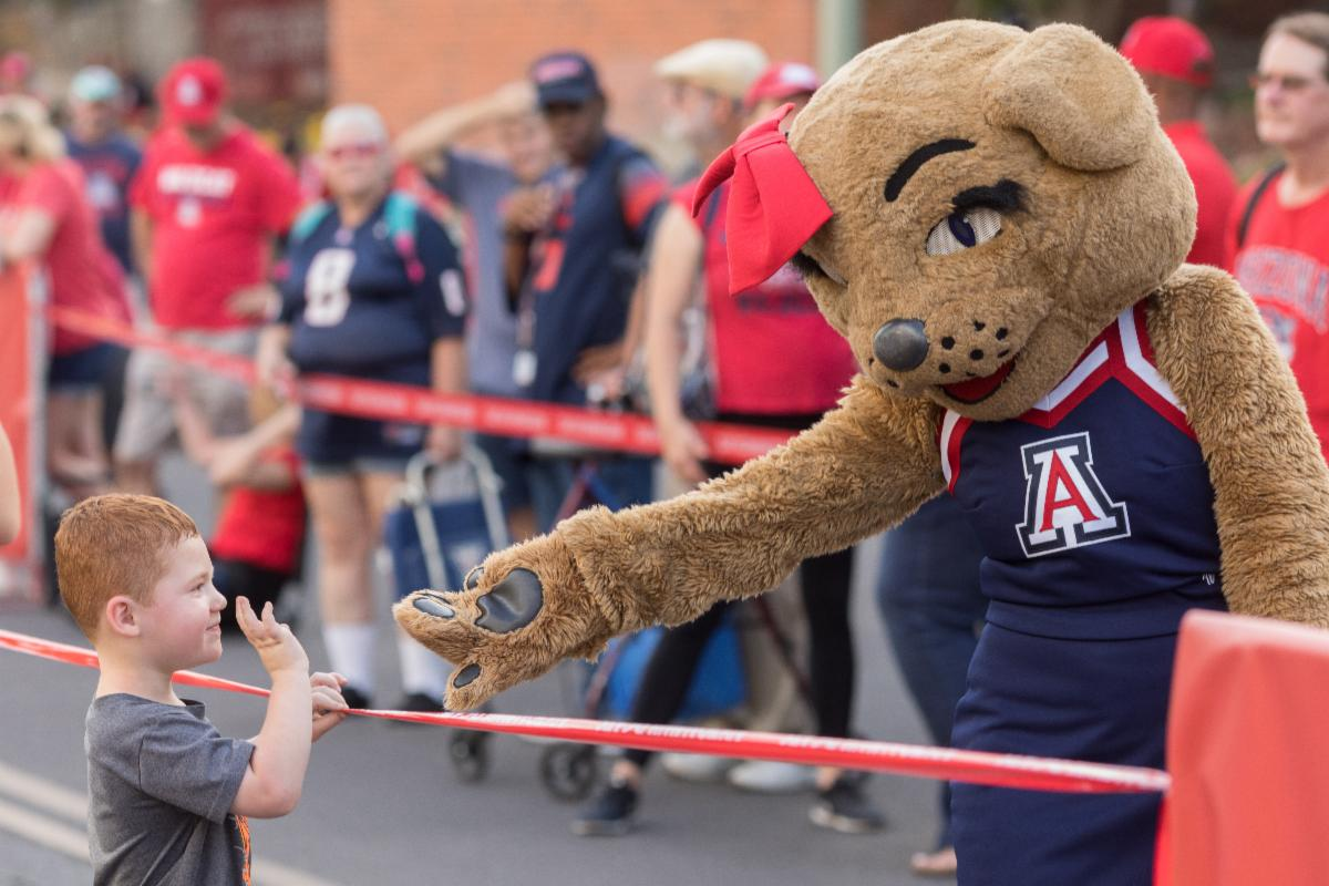 wilma with little boy_photo by UA Alumni Association