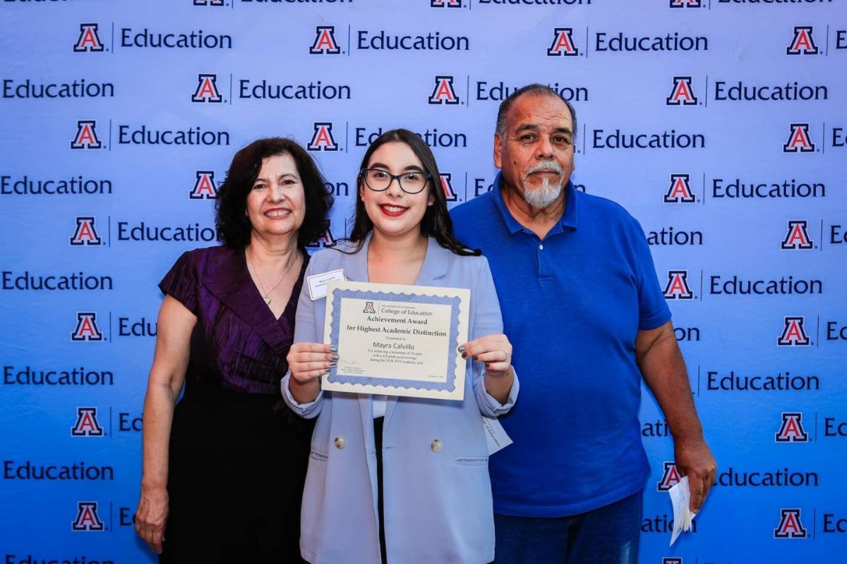 Mayra Isabel Calvillo with family