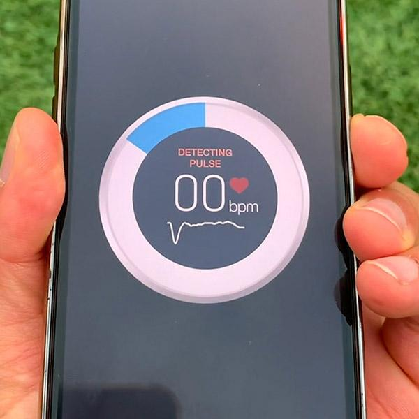 Diabetes app screen showing a circle with BPM rating in the middle