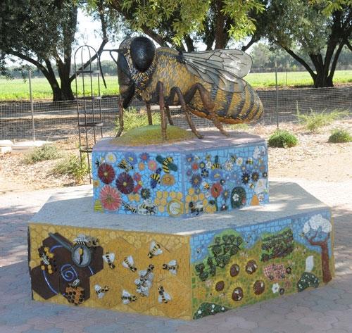 Bee sculpture at Häagen-Dazs Honey Bee Haven at UC Davis