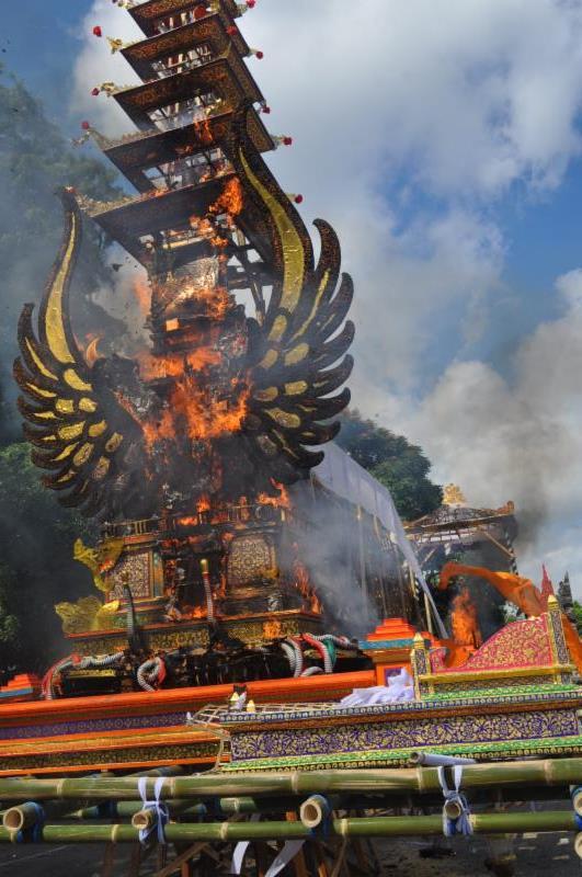 (Bali, INDONESIA) -- Royal Cremation