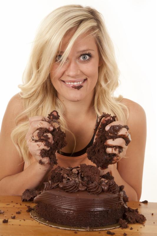 woman_chocolate_cake.jpg