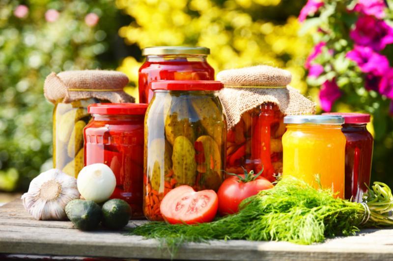 jars_of_pickled_veggies.jpg