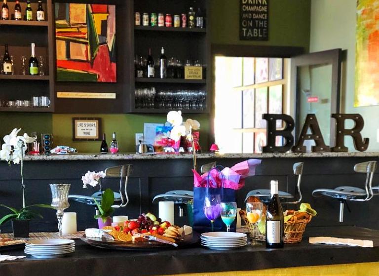 Studio Wine Bar