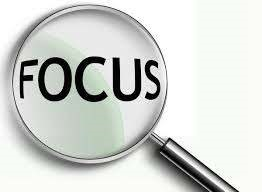 Focus in magnifying glass