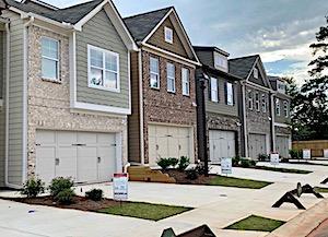 Bentley Estates_Exterior Home Pics_thumbnail_IMG_3118 2.jpeg