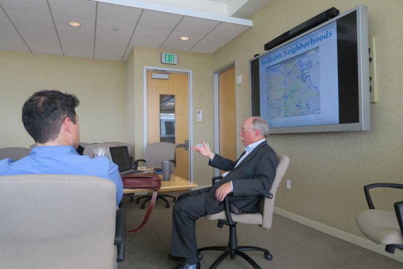 Economist Joe Cortright presents city success findings at San Jose City Hall