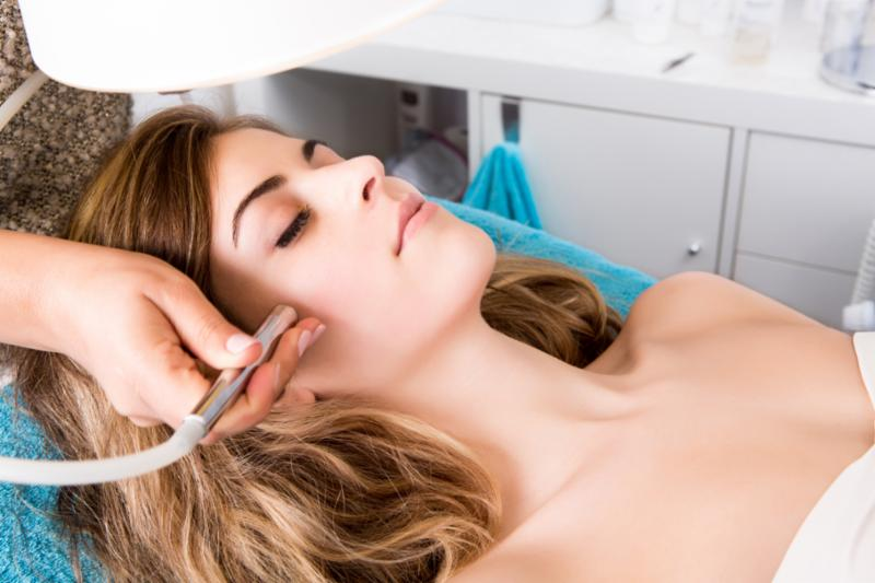woman_cosmetic_procedure.jpg