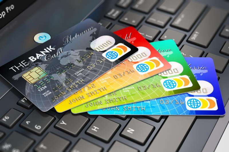 creditcards_scatter_laptop.jpg