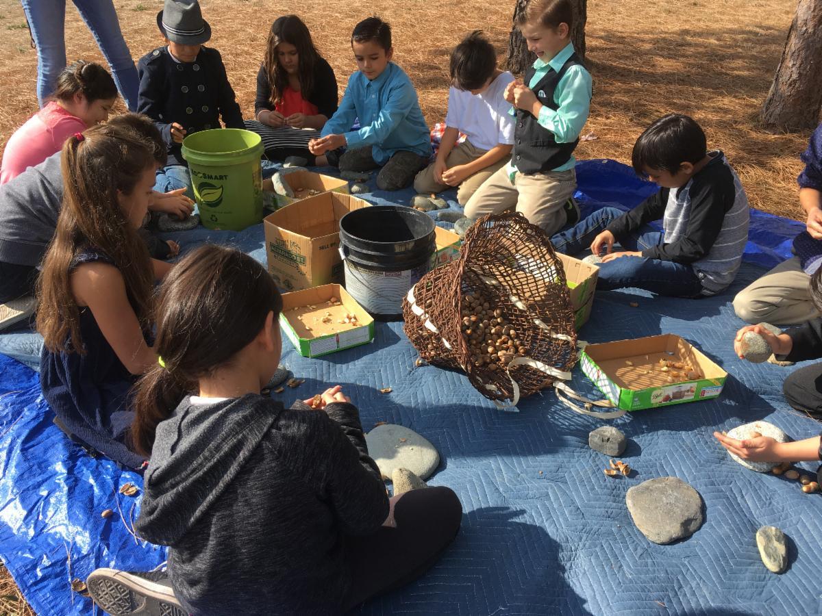 Karuk Farm to School acorn preparation lesson
