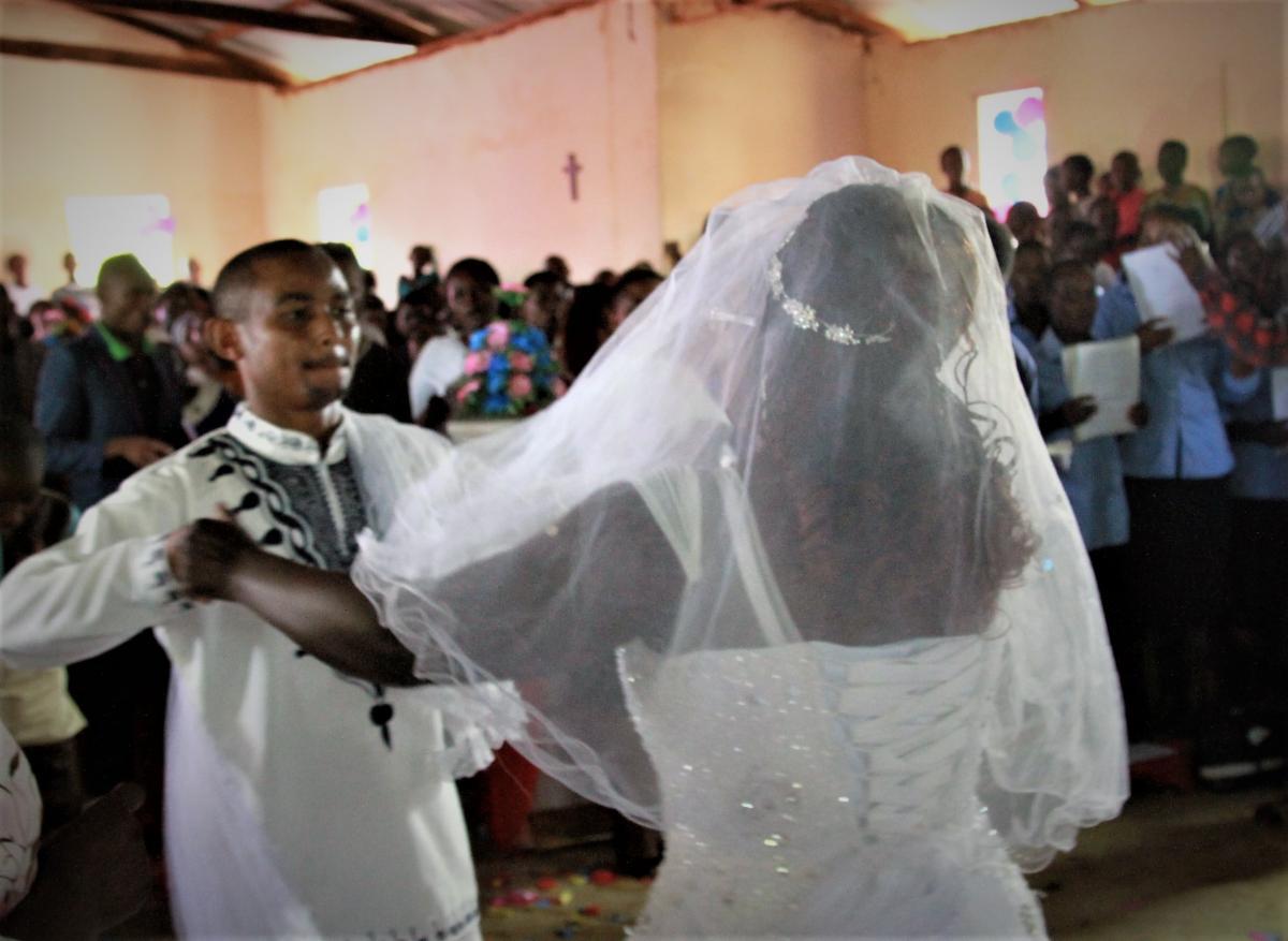 Festus wedding dance