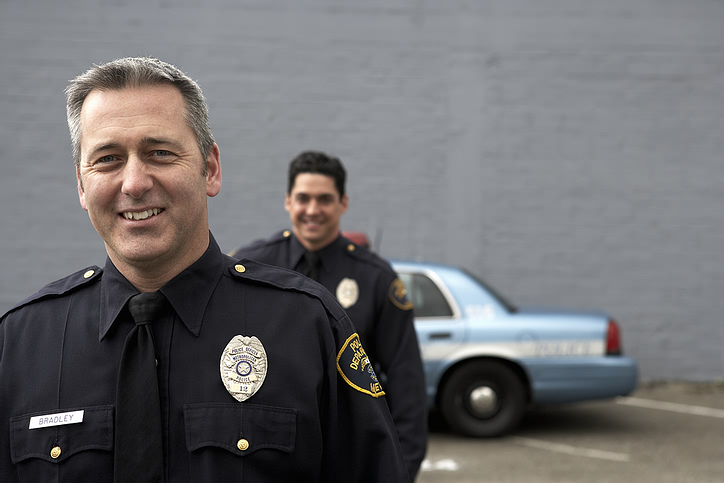 police_men_car.jpg