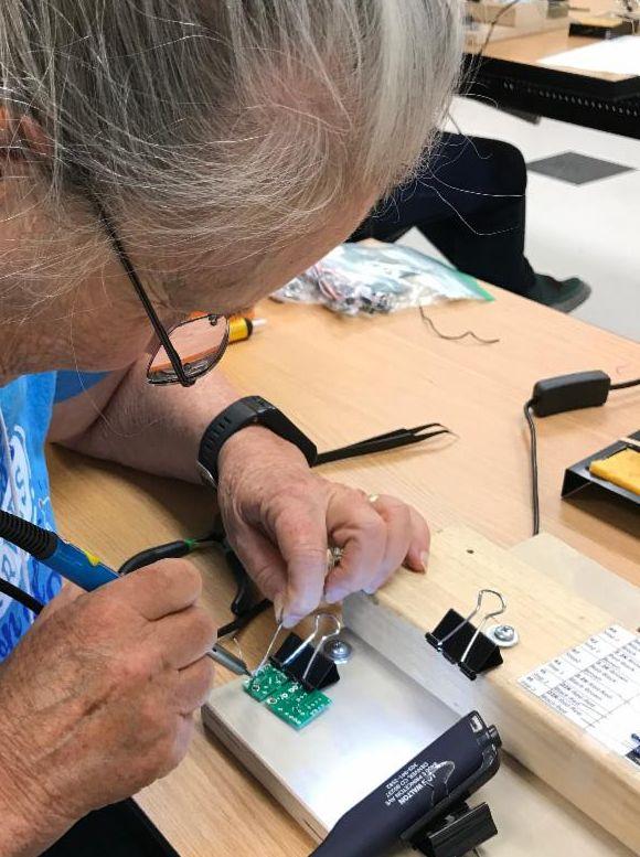 2019 Electronics Workshop Lois