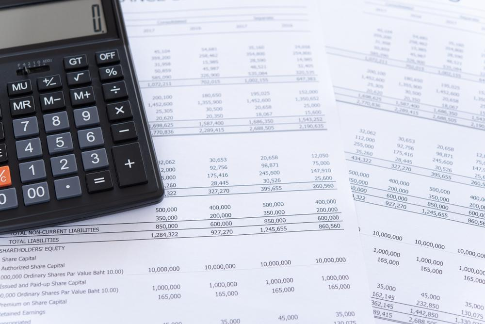 pic of fin statements and calculator