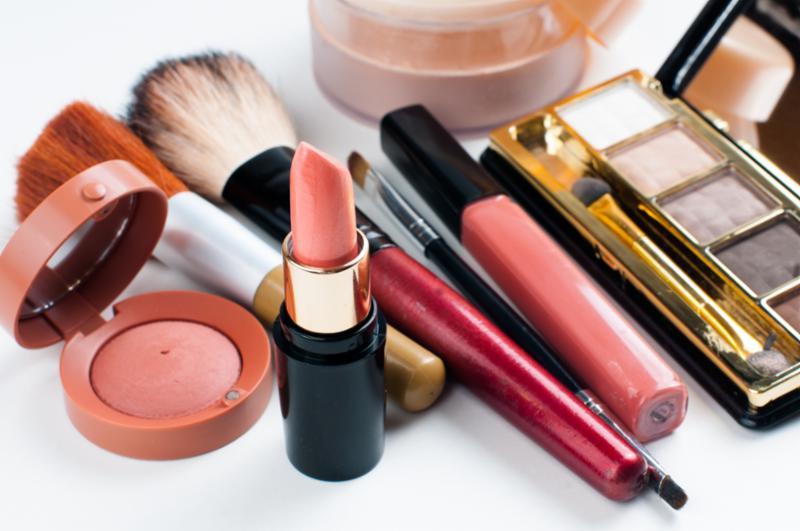 makeup_cosmetics_set.jpg