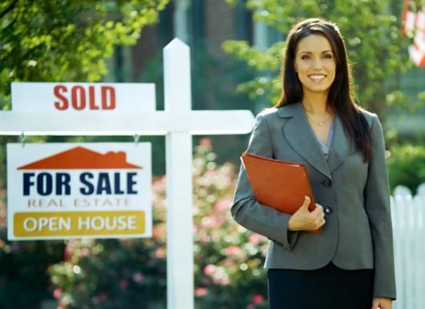 real_estate_agent_sale.jpg