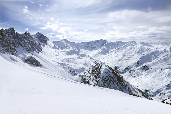 snowy_mountain_scene.jpg