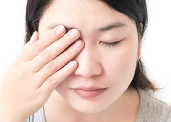 Itchy and irritated or gritty eyes, as well as stinging and burning are common symptoms of dry eye.