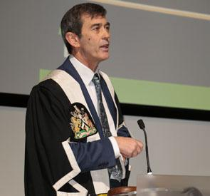 Dr. Frank Sullivan, Gordon F. Cheesbrough Research Chair in Family and Community Medicine at North York General Hospital, giving the James Mackenzie Lecture at the Royal College of General Practitioners in London, November 20, 2015.