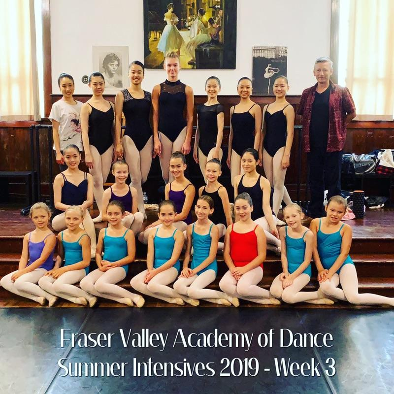 Summer students from Japan and Canada in week 3 intensives 2019