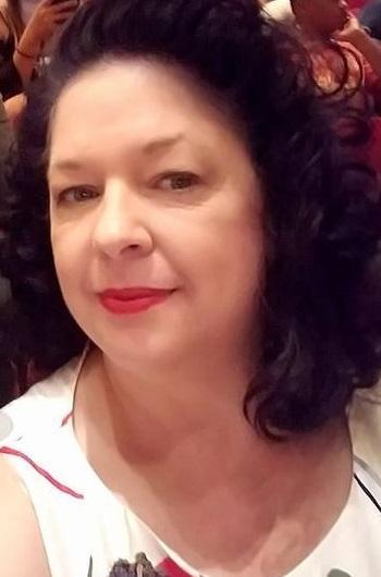 Debbie Farthing headshot