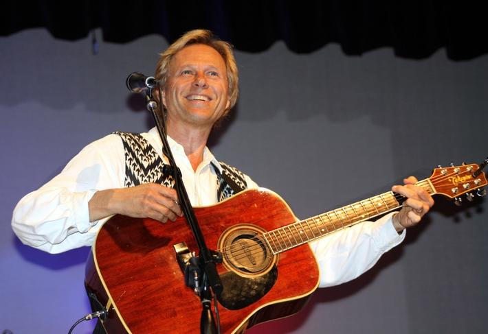 Tom Becker, formerly of the New Christy Minstrels, pays tribute to John Denver
