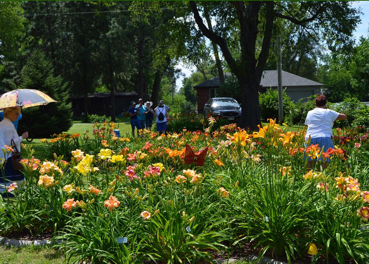 Rita and Lyle Kahnk garden