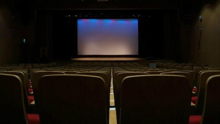 Reliance Jio Disrupt Cinema Hall Business