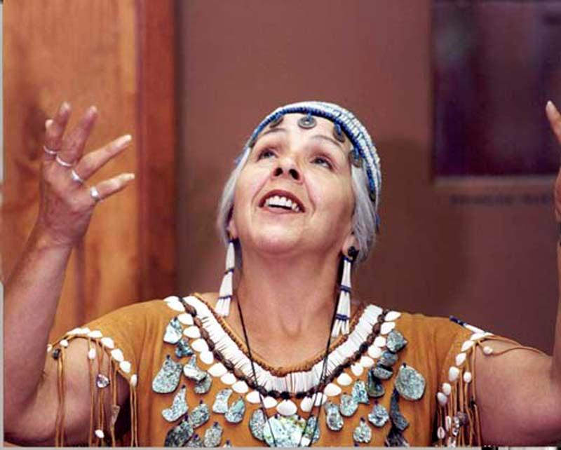 Traditional American Indian storyteller Esther Stutzman, a 2017 Governor's Arts Award recipient.