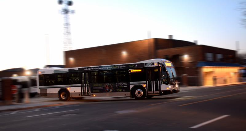 Electric buses, energy award winners announced, Capitol Hill installs solar, and more...
