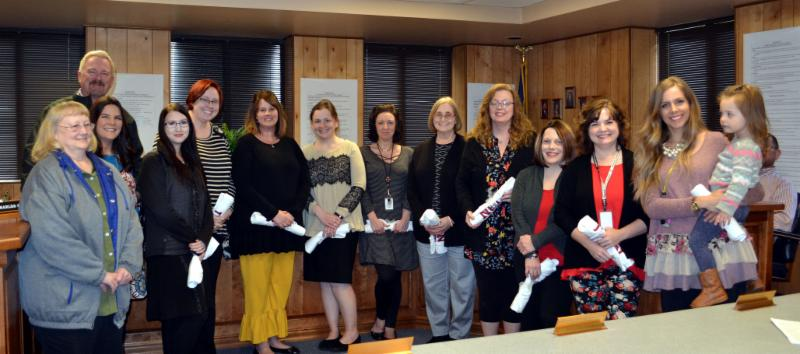 Teachers receive _Lion Chaser Awards